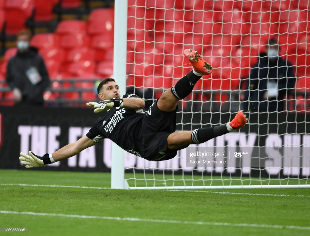 Arsenal shows first sign of Emiliano Martinez departure 2
