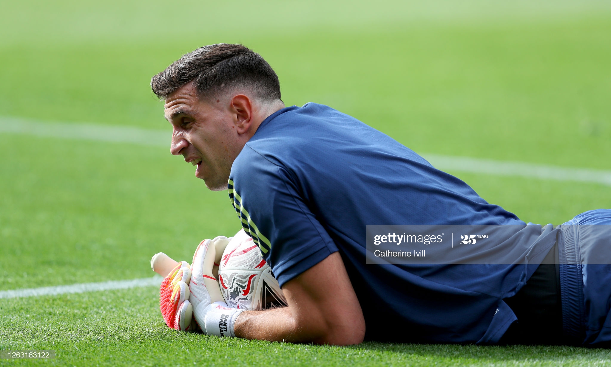 Arsenal shows first sign of Emiliano Martinez departure 3